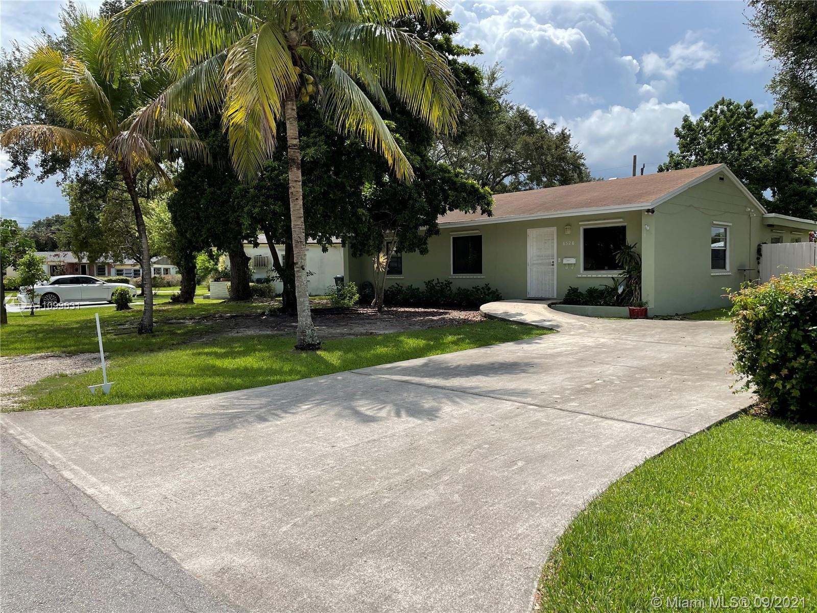 6520 SW 64th Ave  For Sale A11099631, FL