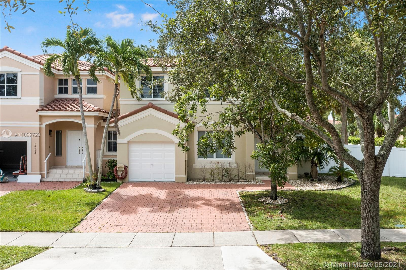16940 SW 36th Ct  For Sale A11099729, FL