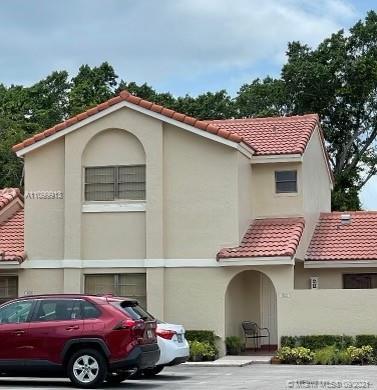 17272 60 CT Unit , Hialeah, Florida 33015
