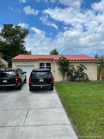 2215  Cleveland St  For Sale A11099957, FL