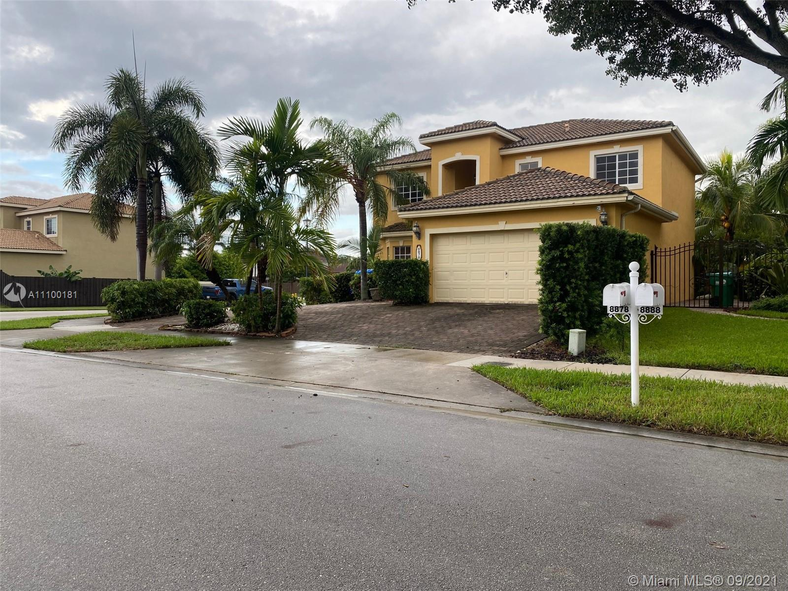 8878 SW 211th Ln  For Sale A11100181, FL