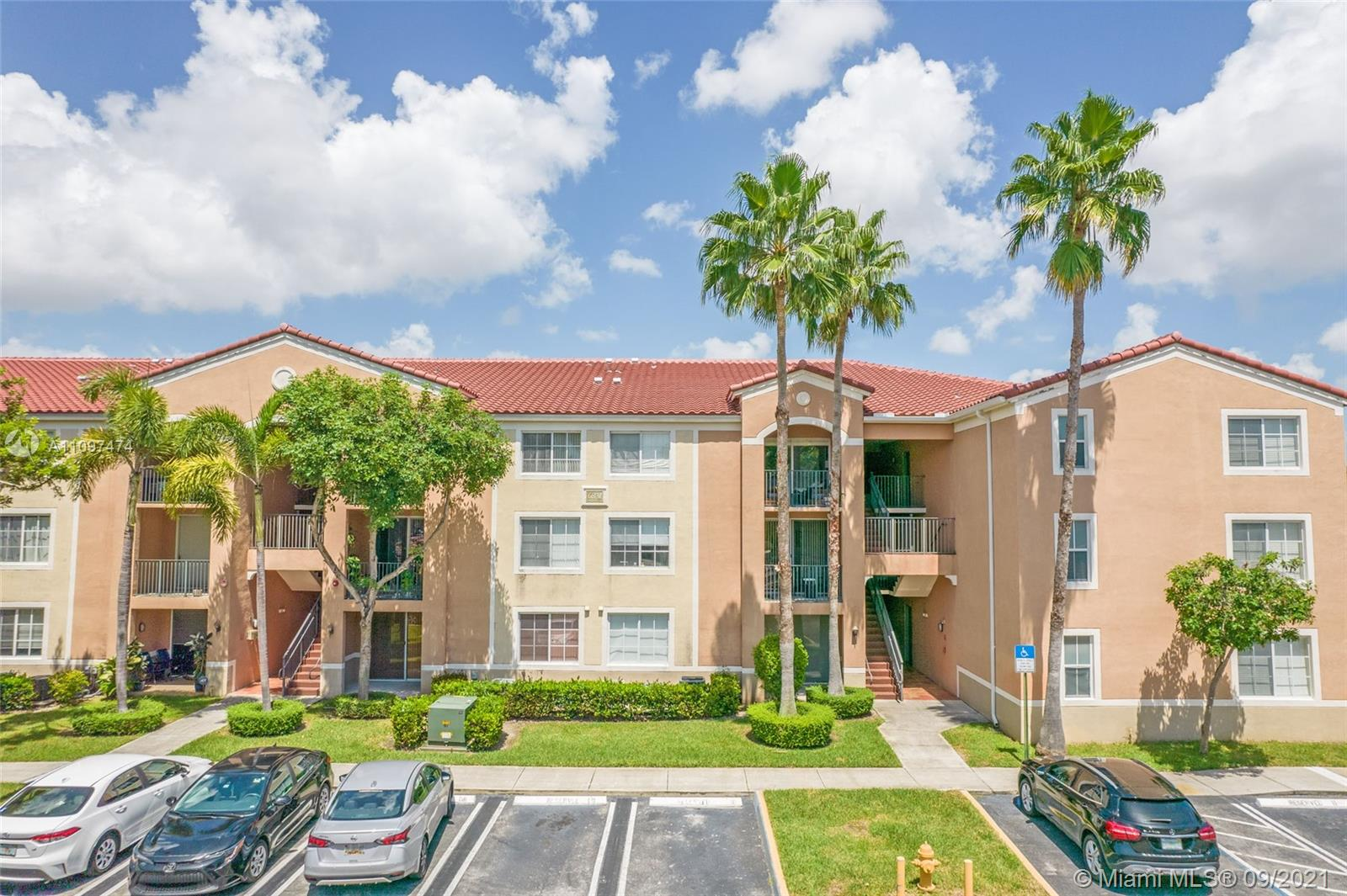6831 SW 44th St #312 For Sale A11097474, FL