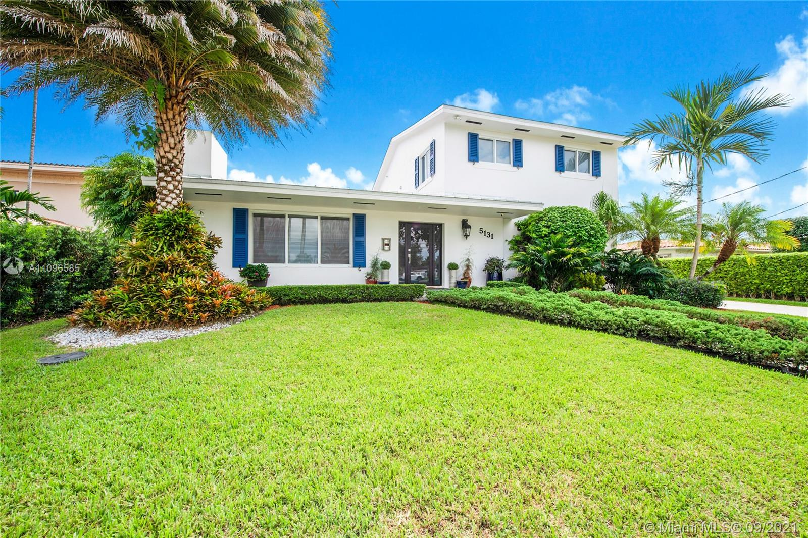 5131 SW 87th Ave  For Sale A11096585, FL
