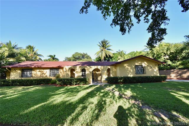 For information Please call co- agent Angela Koll 954 7096658. House has a new roof and AC. unit