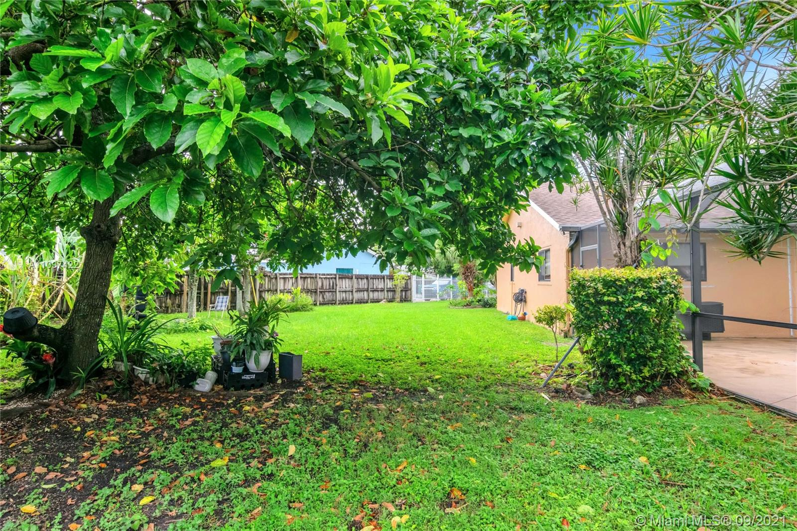 11527 SW 171st Ter  For Sale A11097422, FL