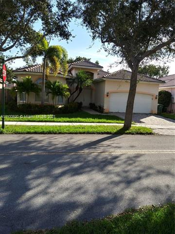 KEYS LANDING BEAUTY. ONE STORY 4 BEDROOMS 2 1/2 BATHROOMS AND 2 CAR GARAGE. OPEN FLLOR PLAN. TILE IN THE WHOLE HOUSE. VERY NICE GATED COMMUNITY. 24 HRS SECURITY GUARD.