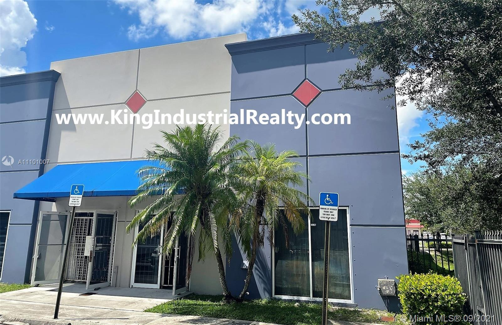 4980 NW 165th St, Miami Gardens, FL 33014