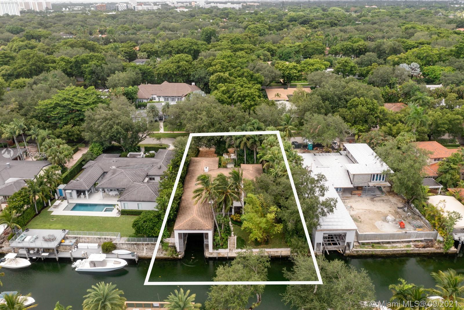 930  Alfonso Ave  For Sale A11095325, FL