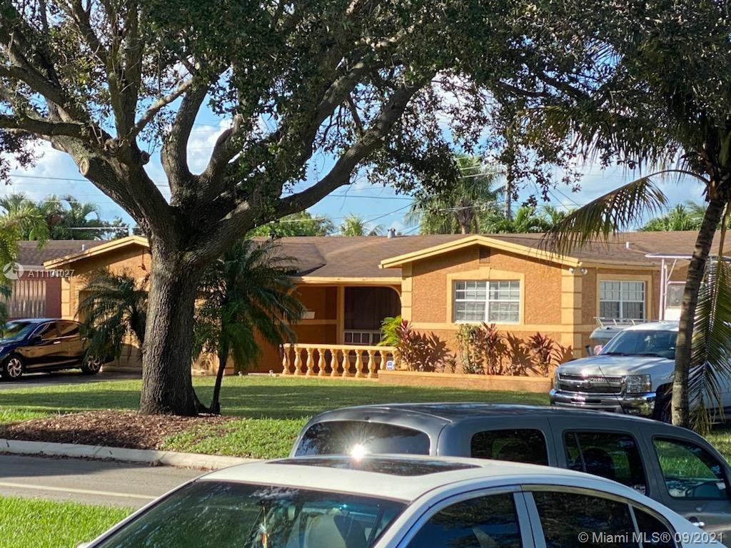 7231  Embassy Blvd  For Sale A11101027, FL