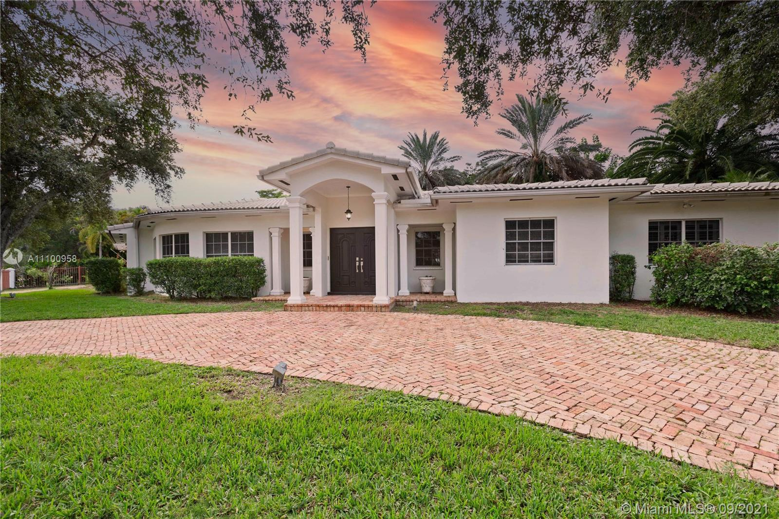505  Luenga Ave  For Sale A11100958, FL