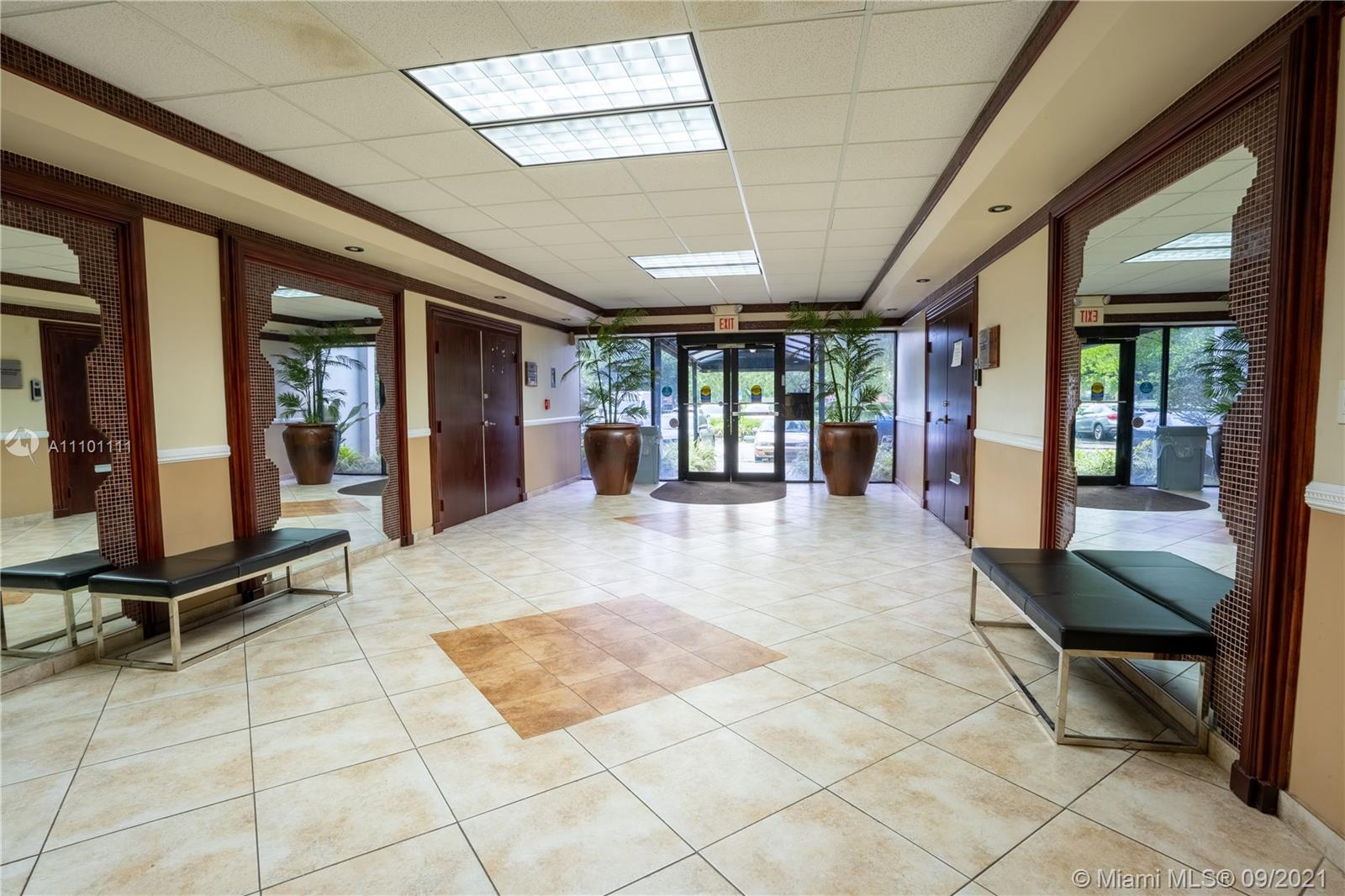 1601 N Palm Ave #300-A For Sale A11101111, FL