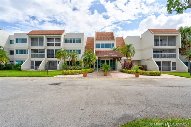 """BACK ON THE MARKET.  SPACIOUS UNIT, CENTRALLY LOCATED IN BONAVENTURE, STAINLESS STEEL APPLIANCES, WASHER/DRYER INSIDE THE UNIT,  UPGRADED BATHROOMS, TILED FLOORS IN LIVING AREAS AND LAMINATE FLOORS IN BEDROOMS.  ACCESS TO WESTON CLUB WHICH INCLUDES BOWLING, SAUNA, THEATER, LIBRARY, GYM, TENNIS, POOLS, BASKET BALL COURTS AND CHILD PLAYGROUND ($285 YEARLY).  """"A"""" RATED SCHOOLS. OK TO LEASE."""