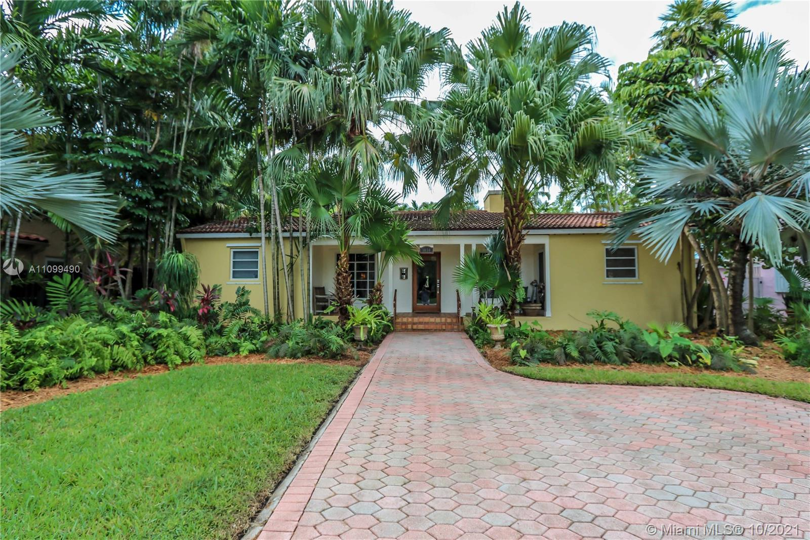 1050  Harrison St  For Sale A11099490, FL
