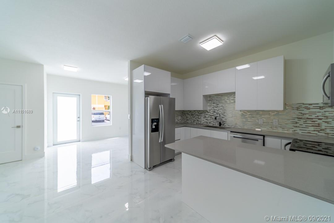 6400 SW 139 AVE RD #105 For Sale A11101689, FL