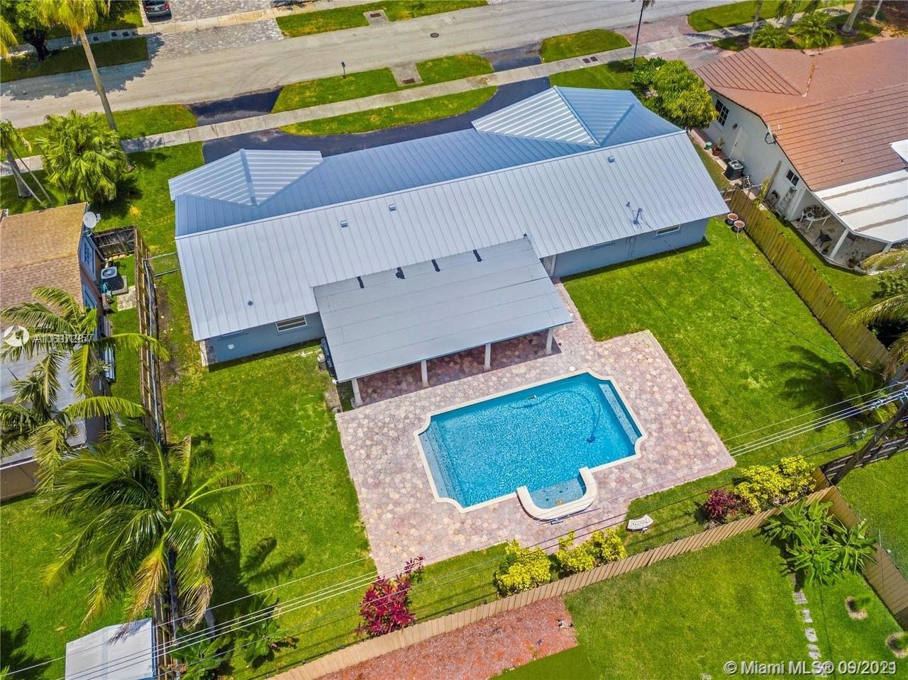 8620 SW 85th Ave  For Sale A11101957, FL