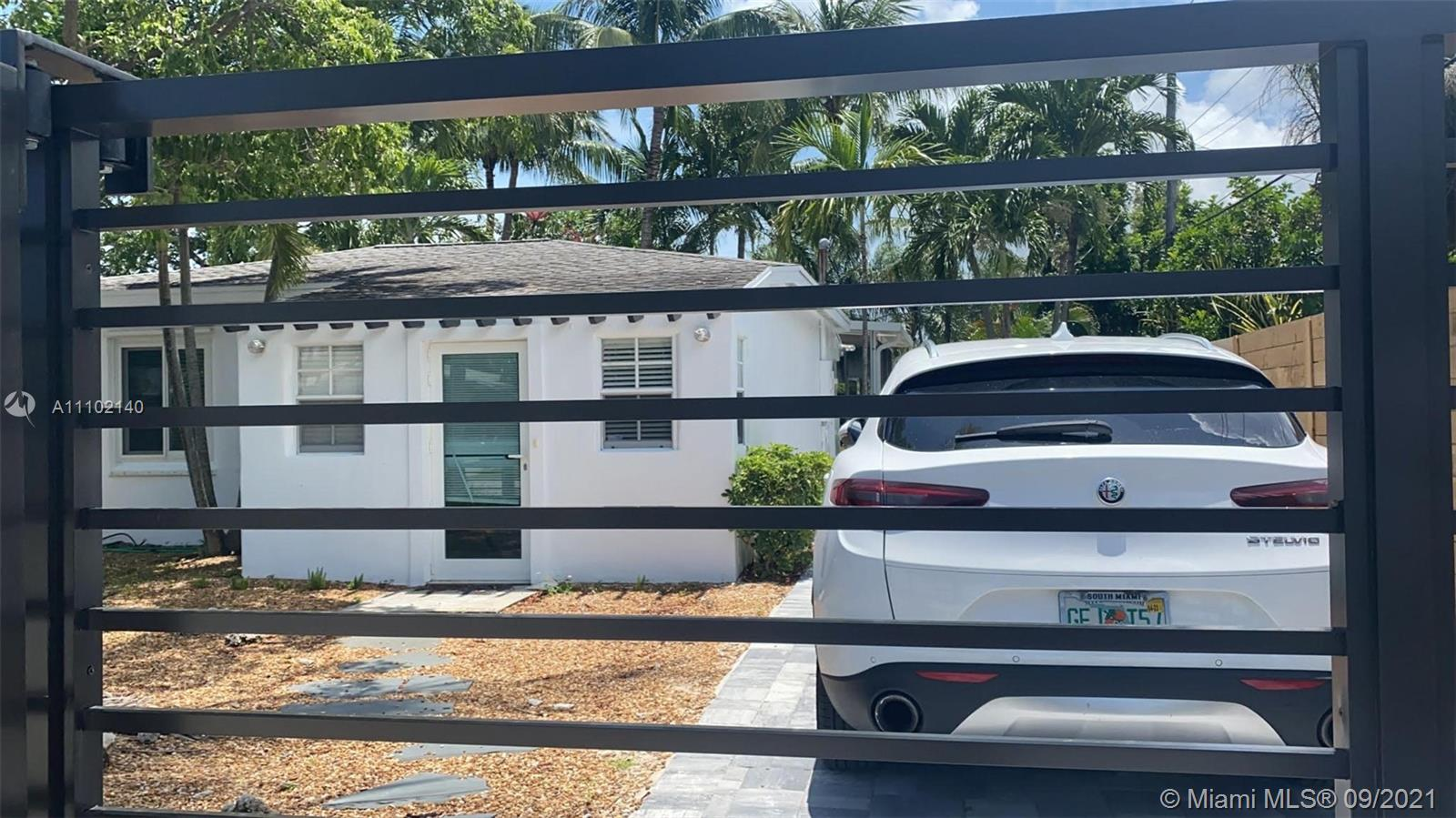 320 SW 13th St  For Sale A11102140, FL