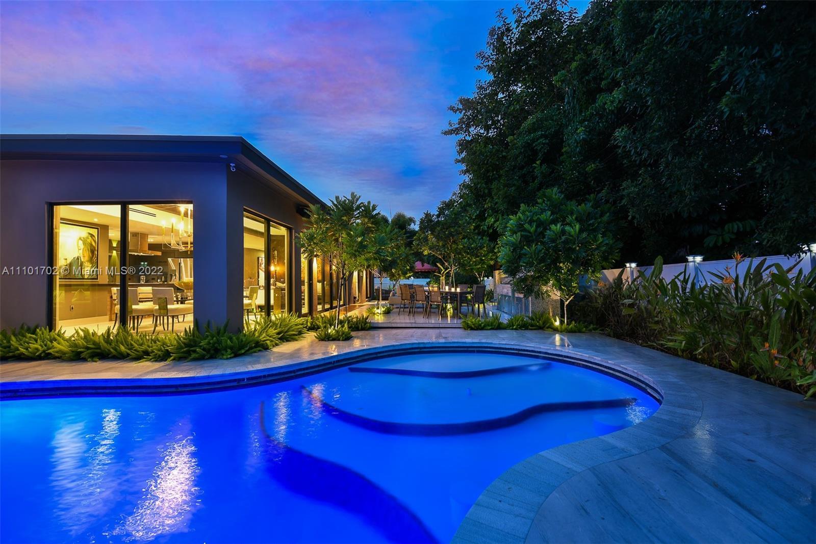 2625 NE 26th Ave  For Sale A11101702, FL