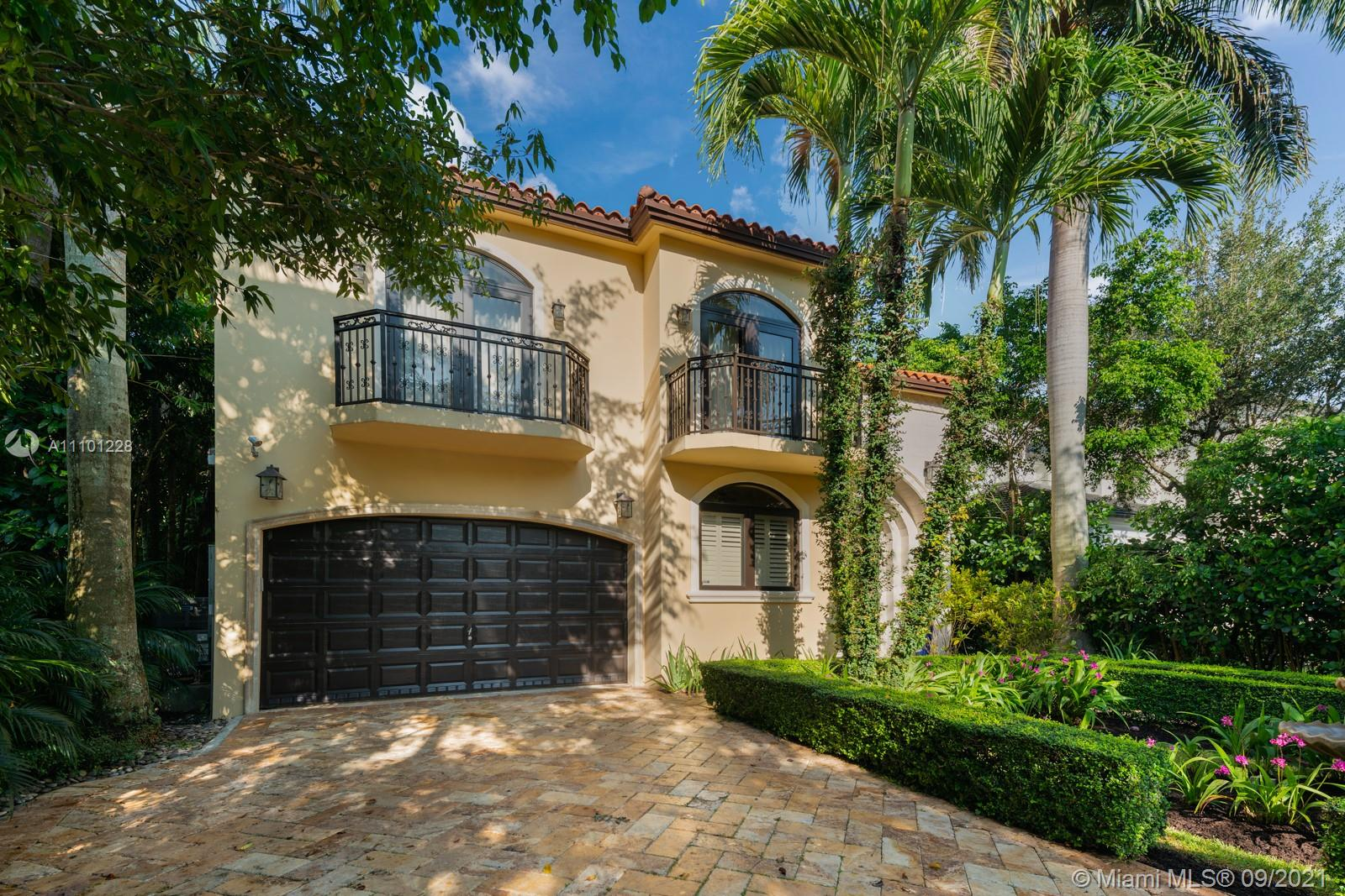 6636 SW 69th Ave  For Sale A11101228, FL