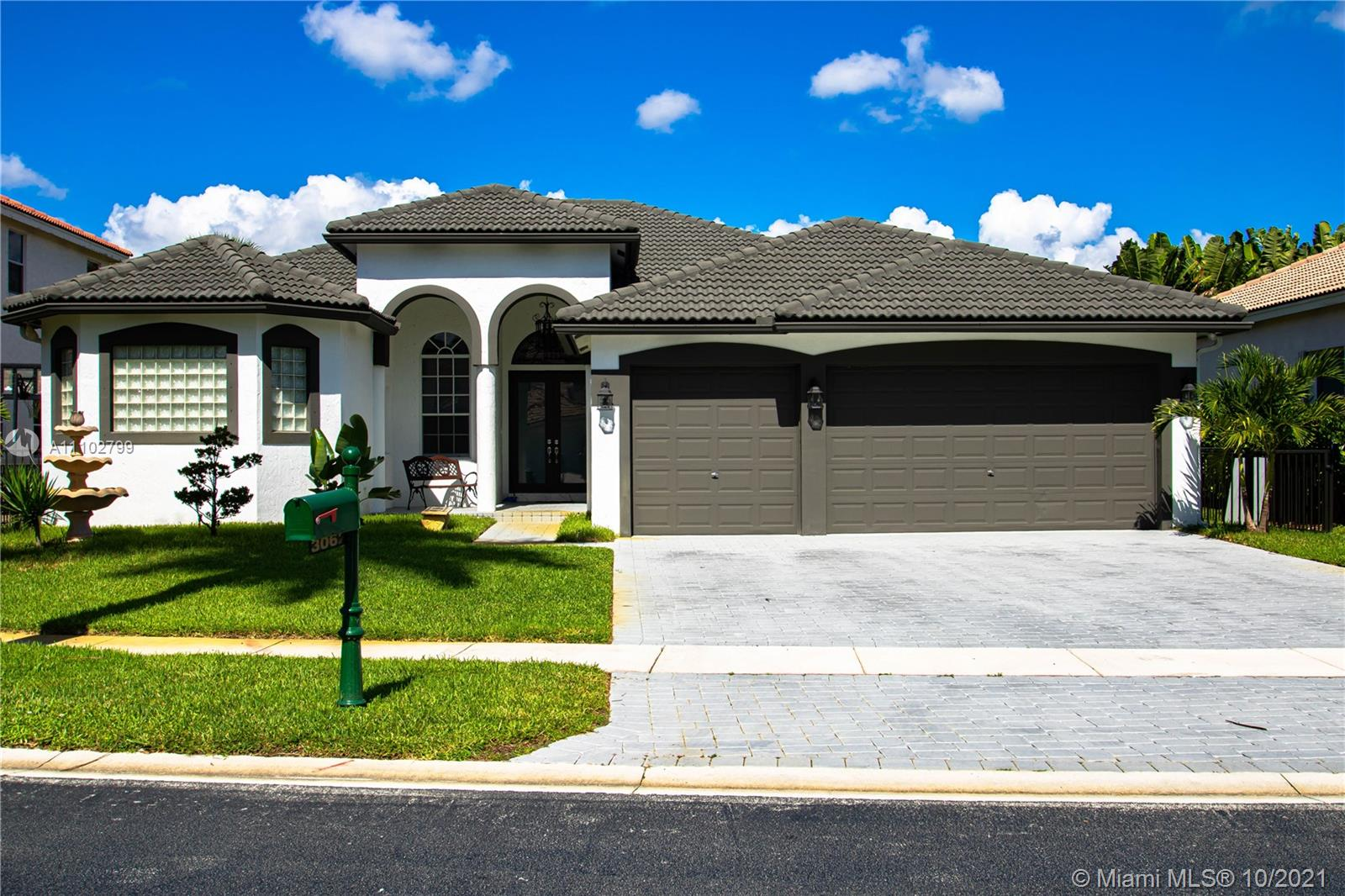 3062 SW 189th Ave  For Sale A11102799, FL