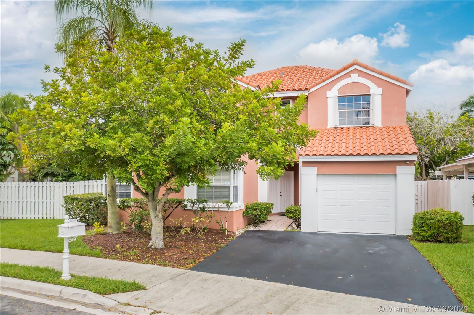 539  Clermont Ct  For Sale A11102567, FL