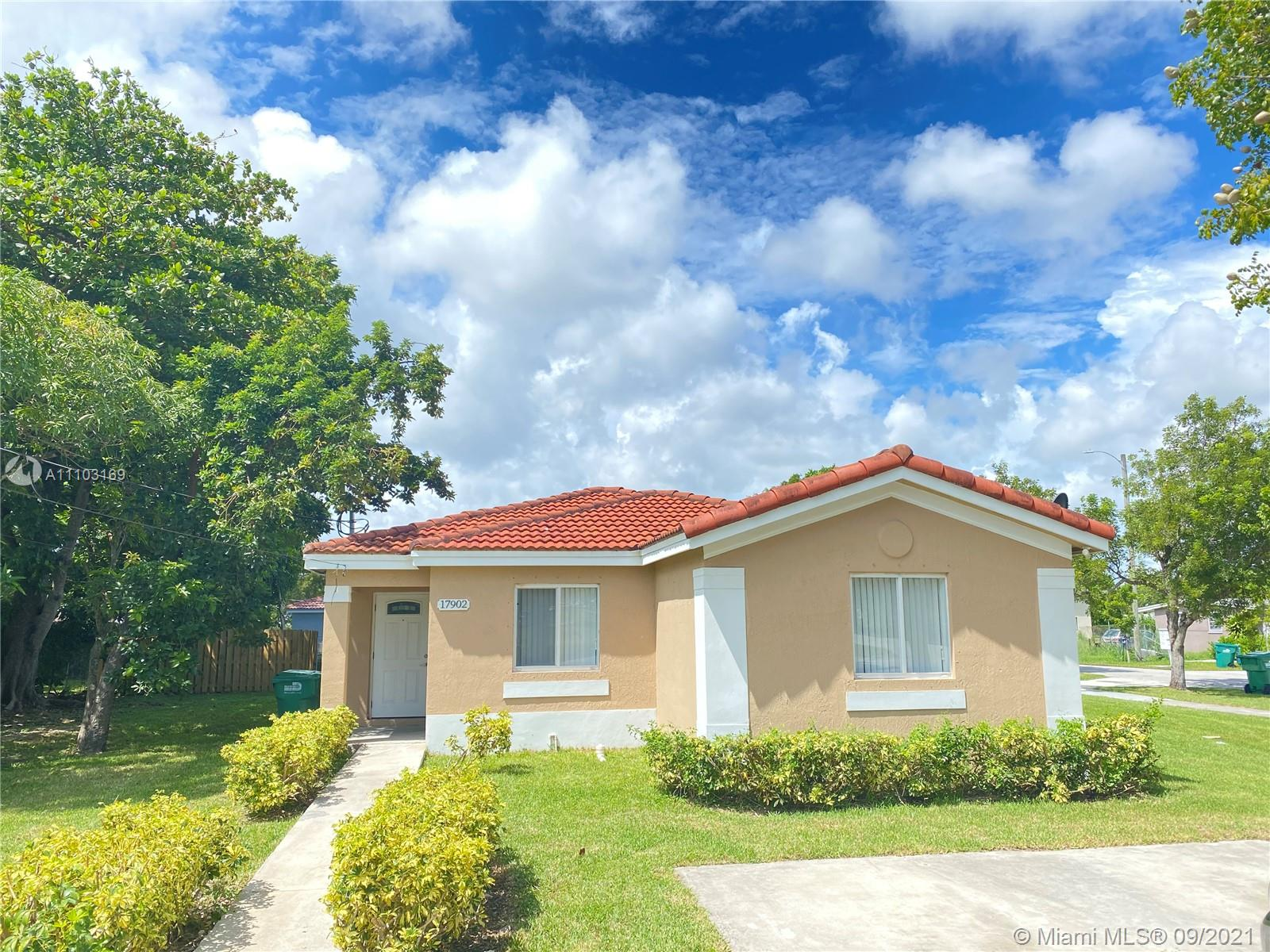 17902 SW 104th Ave  For Sale A11103169, FL