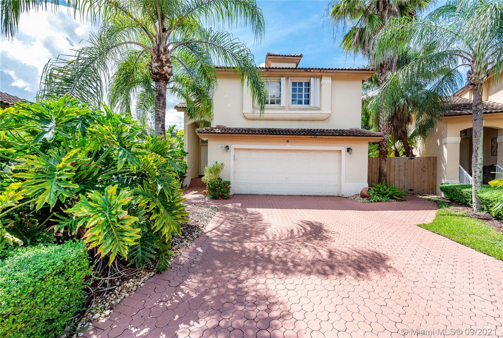 11398 NW 50TH TE  For Sale A11102057, FL