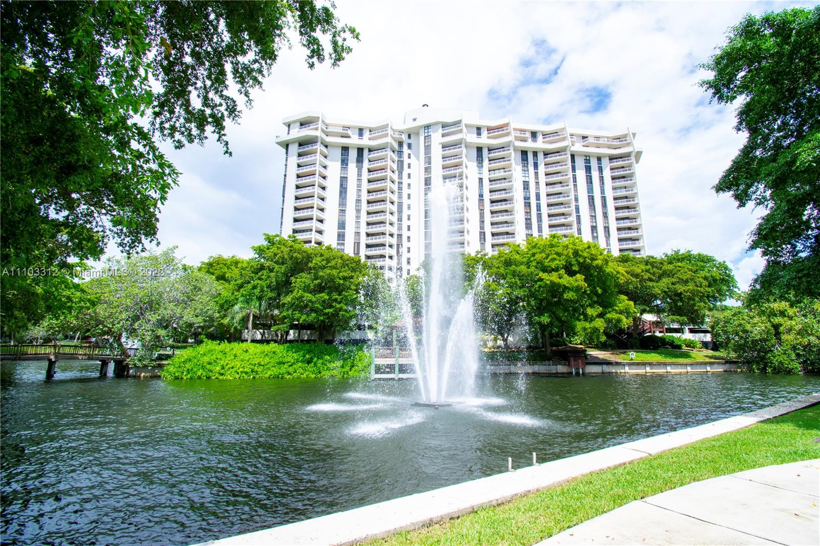 1000  Quayside Ter #1205 For Sale A11103312, FL