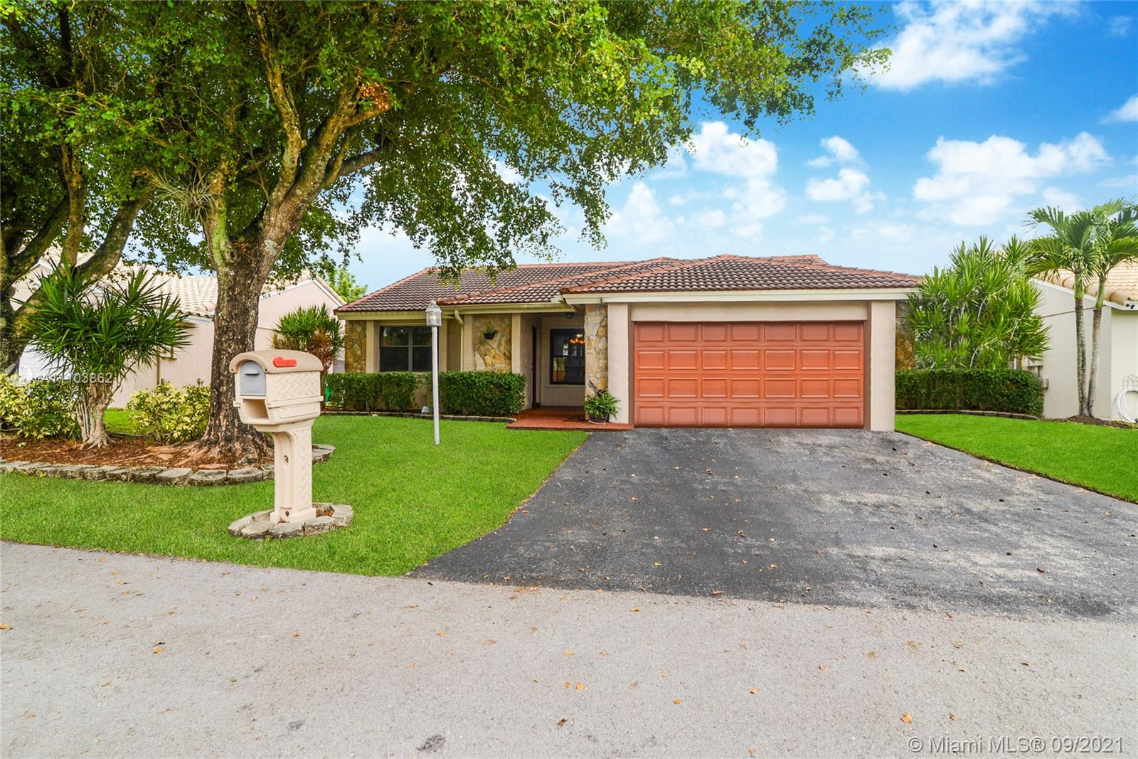 5920  Epsom Ln  For Sale A11103862, FL