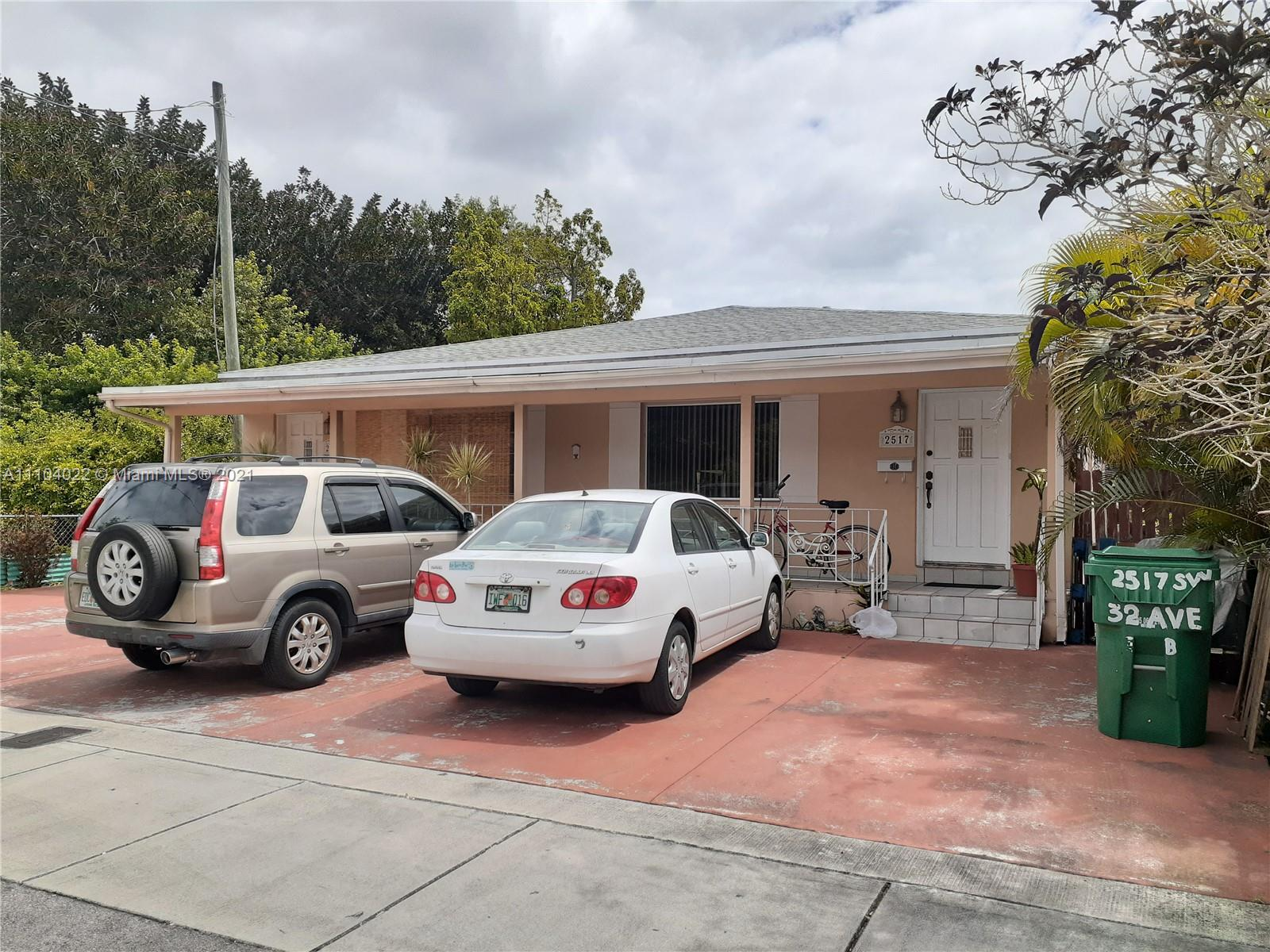 2515 SW 32nd Ave  For Sale A11104022, FL