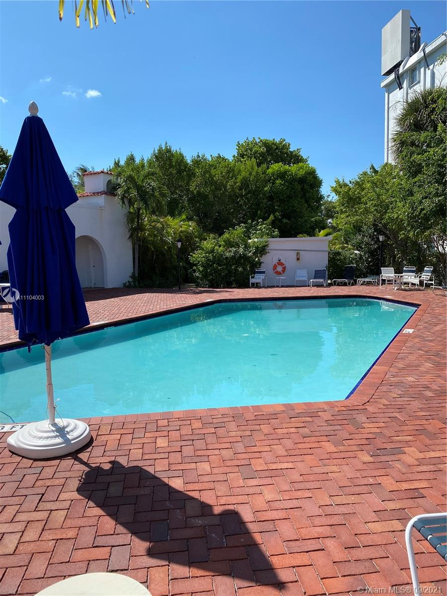 350  Grapetree Dr #414 For Sale A11104003, FL