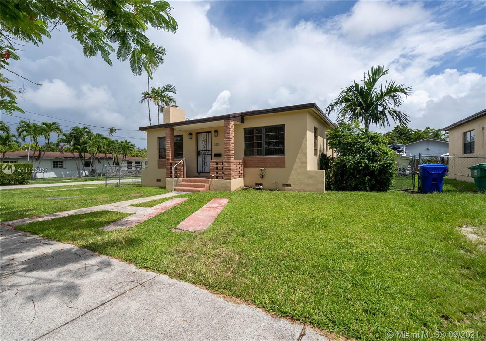 3041 SW 27th St  For Sale A11103837, FL