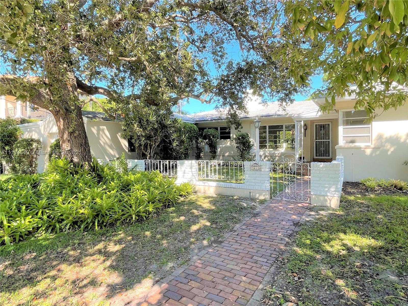9045  Hawthorne Ave  For Sale A11104540, FL