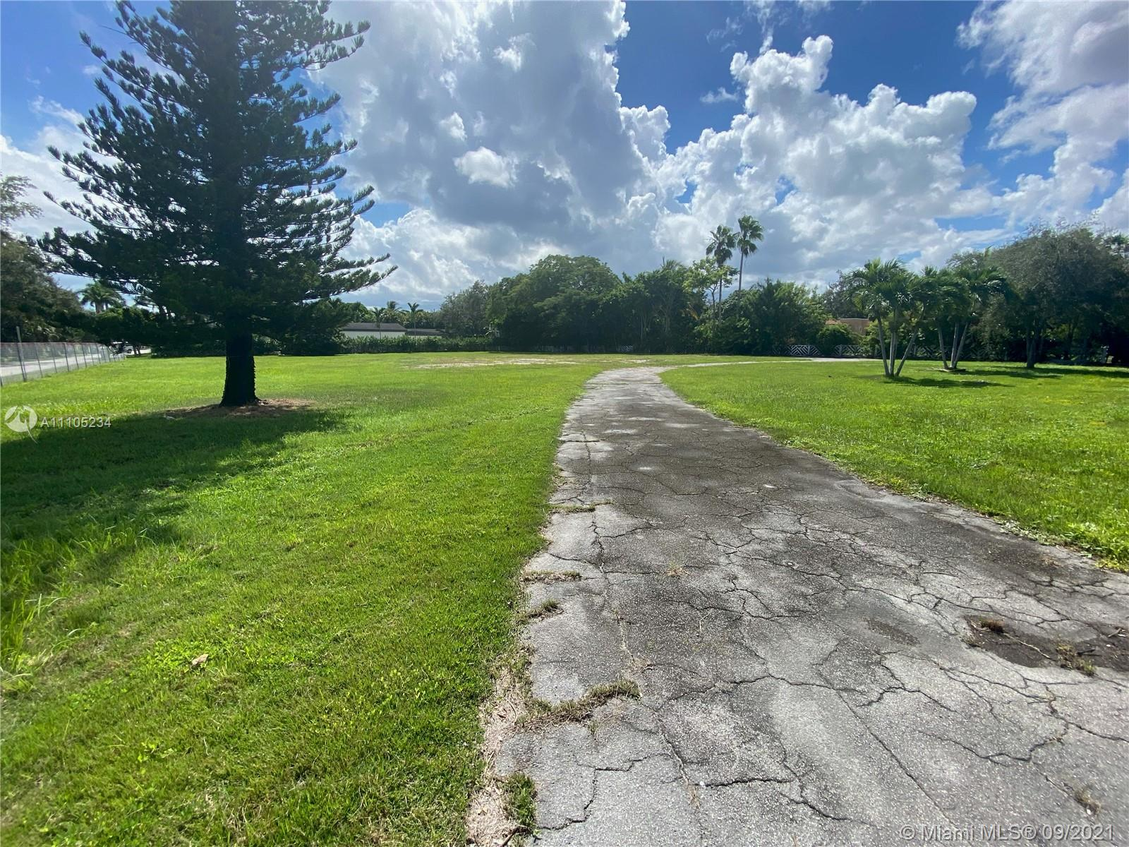 5400 SW 80th St  For Sale A11105234, FL