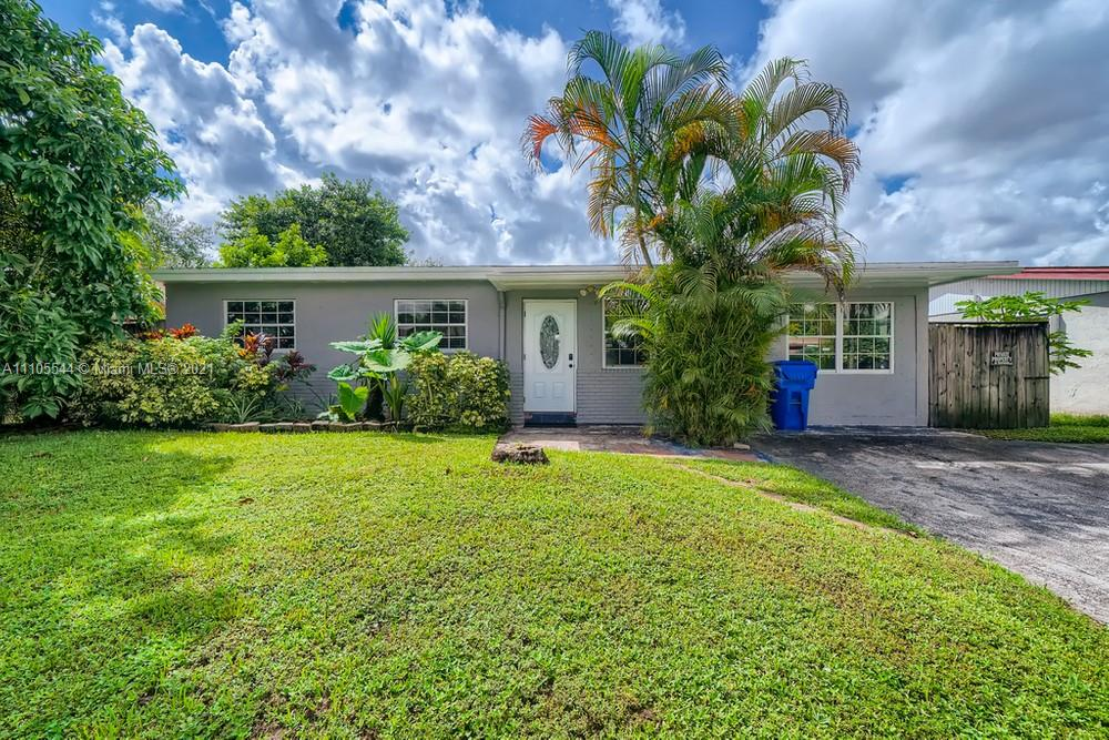 7160  Pershing  For Sale A11105544, FL