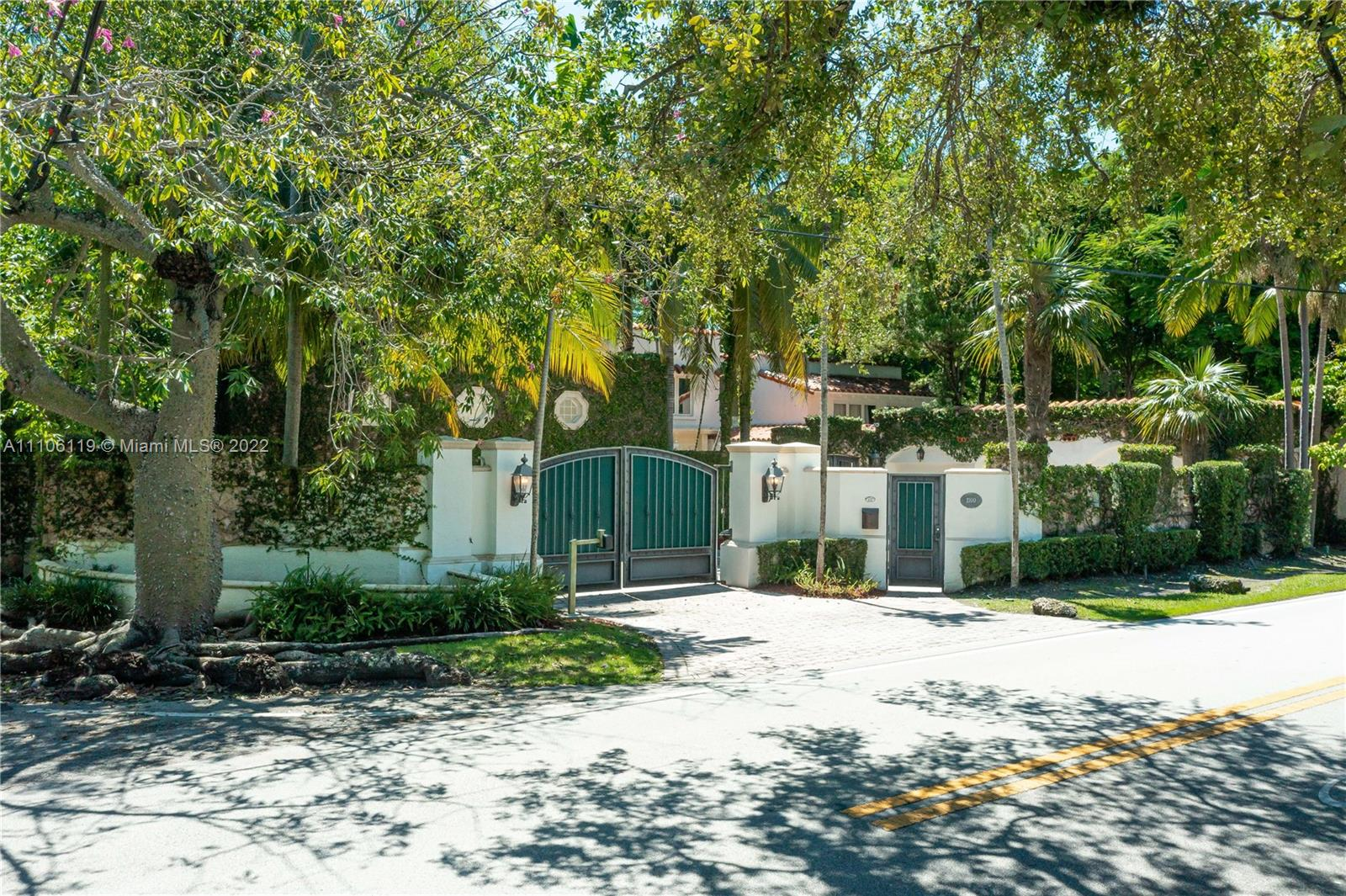2100  Tigertail Ave  For Sale A11106119, FL
