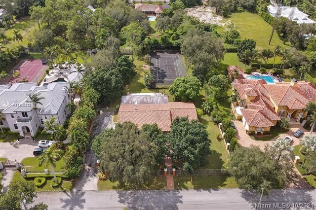 6950 SW 62nd St  For Sale A11106412, FL