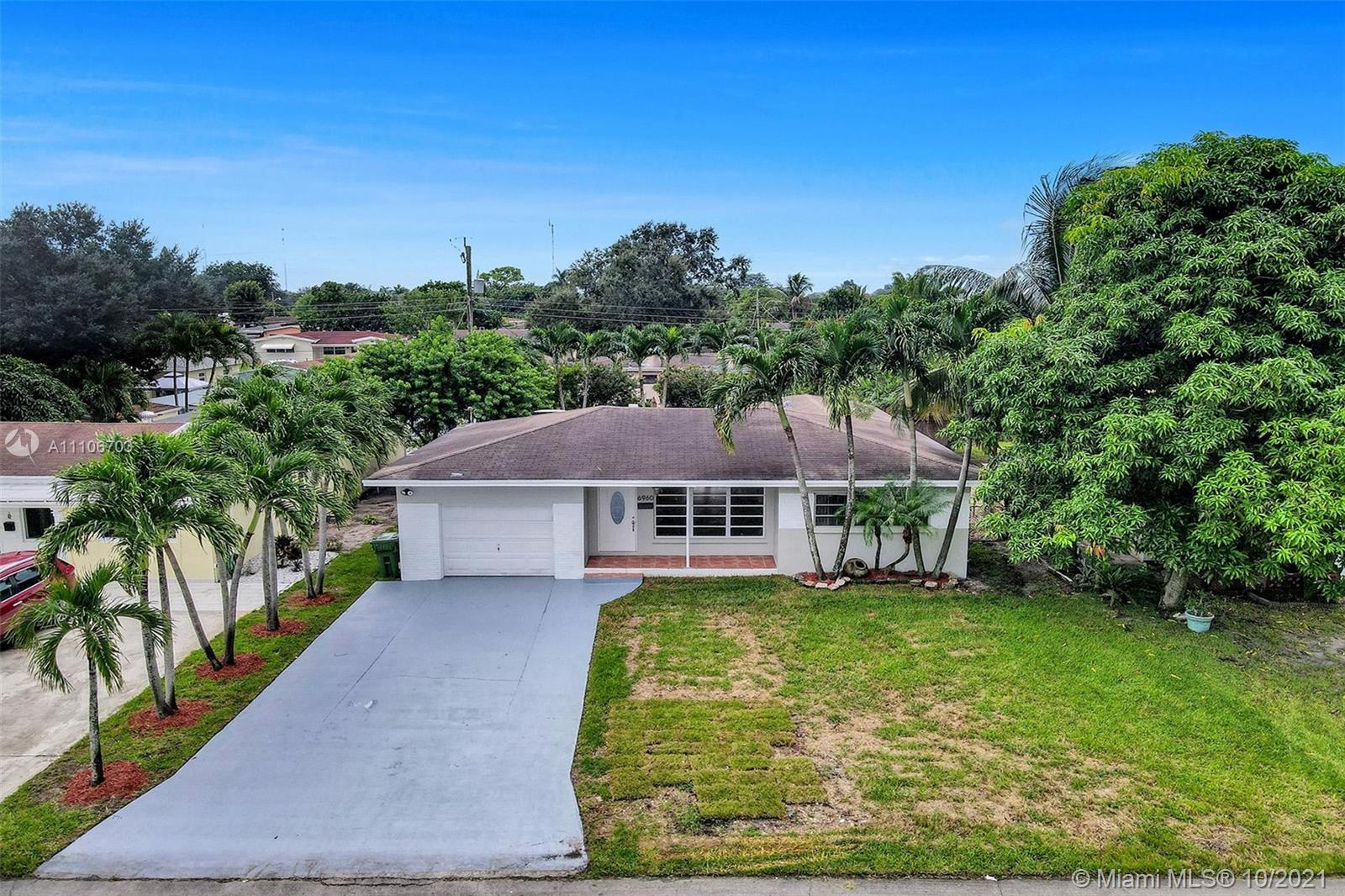 6960 SW 10th Ct  For Sale A11106703, FL