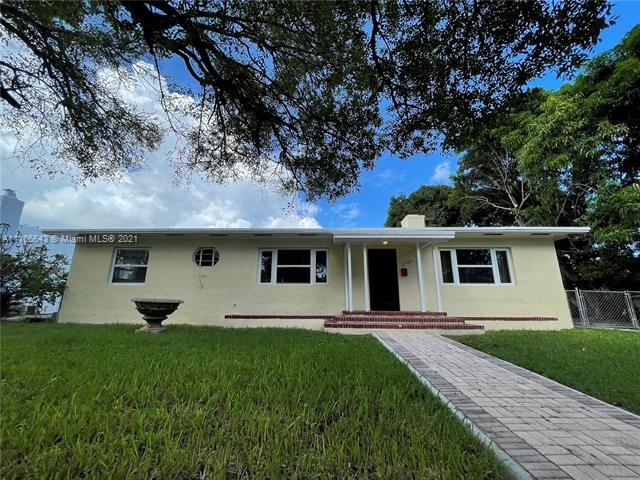 2423 SW 13th St  For Sale A11106643, FL