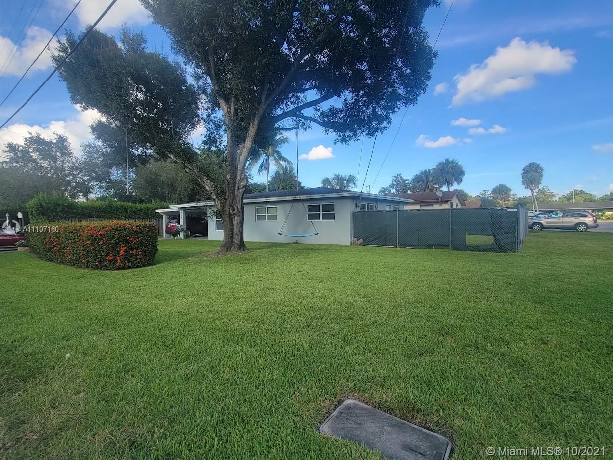 1954 SW 29th Ave  For Sale A11107160, FL