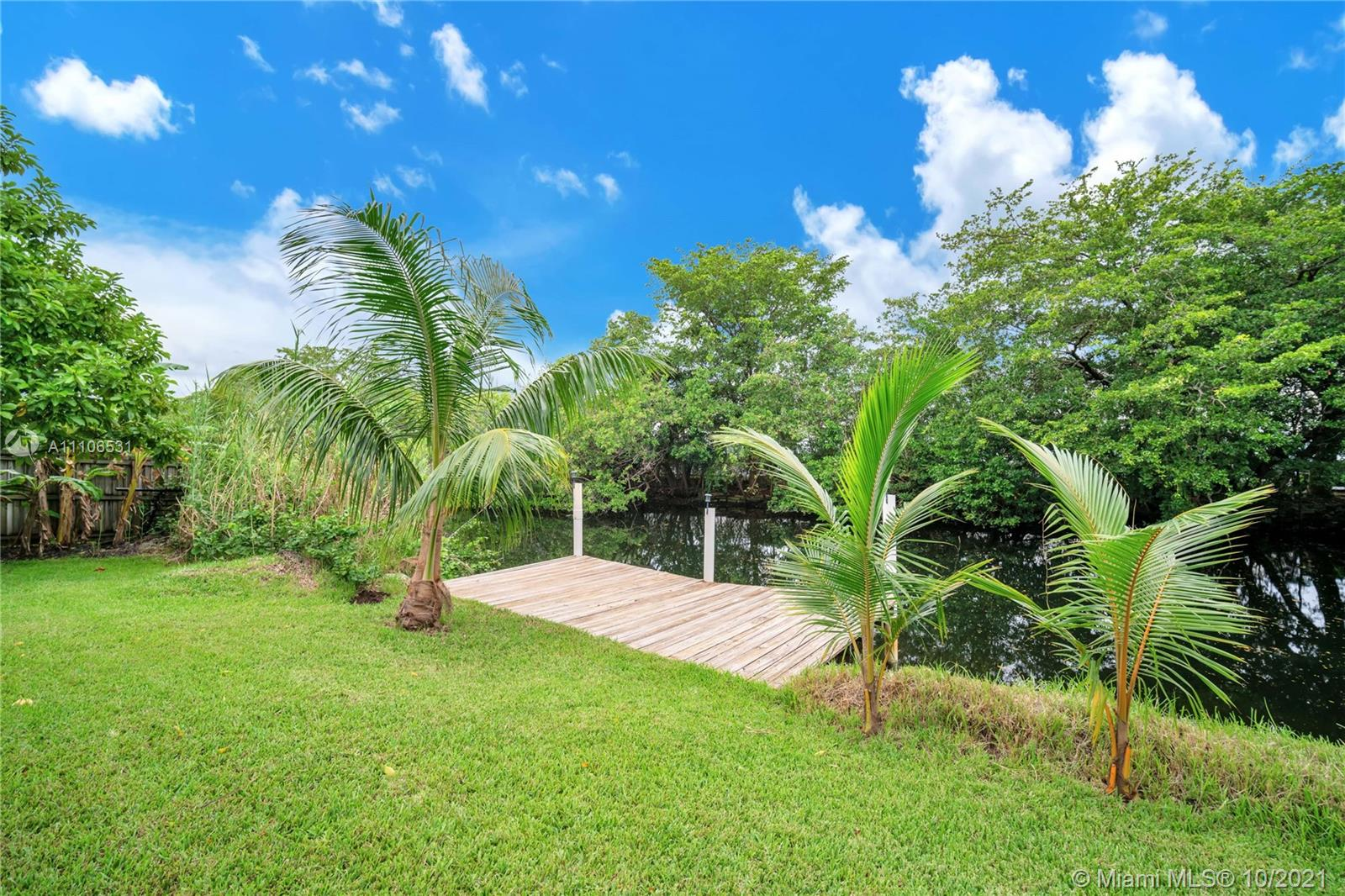 1326 N 30th Ct  For Sale A11106531, FL