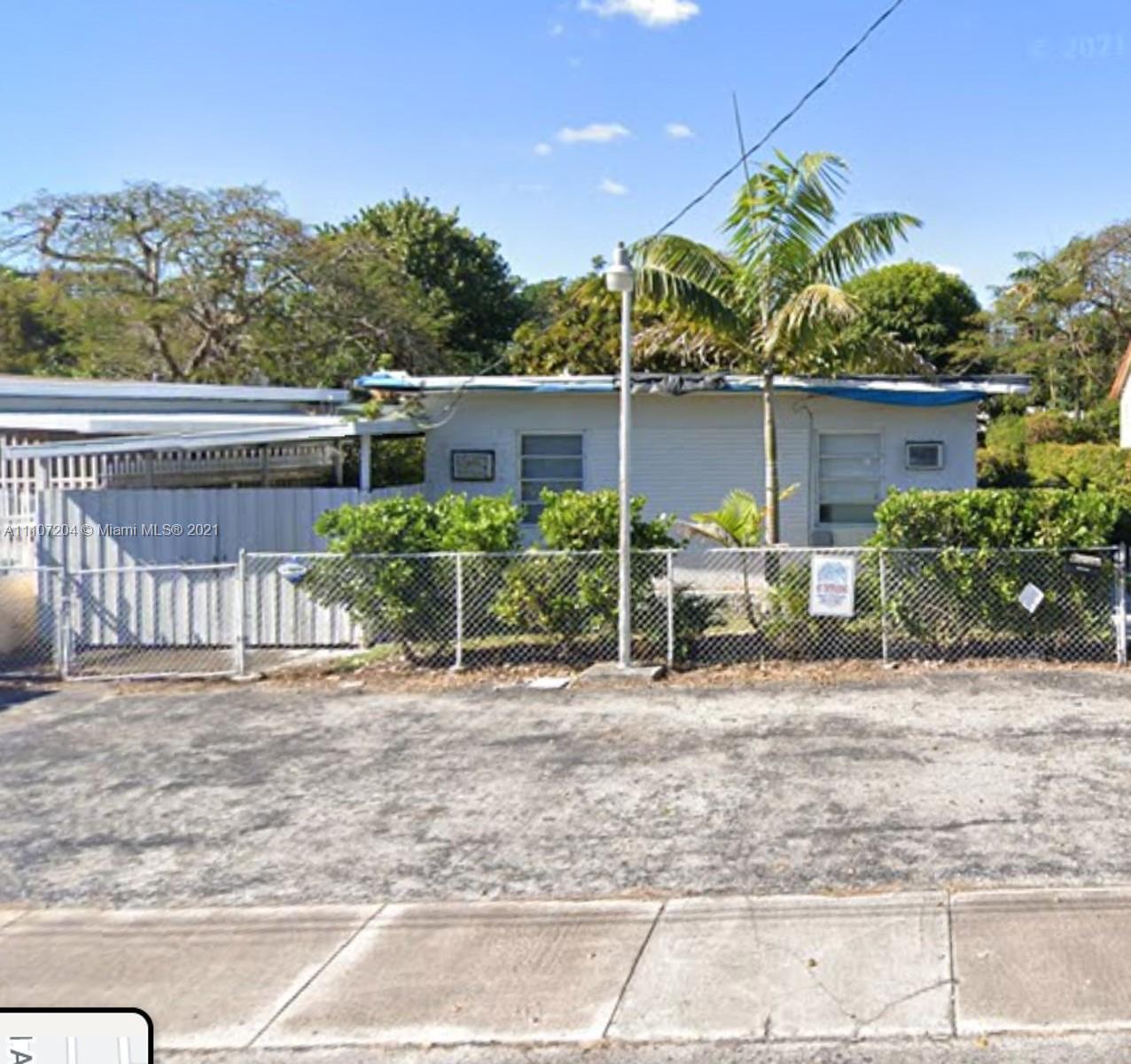 2840 32nd Ct, Miami, Florida 33133