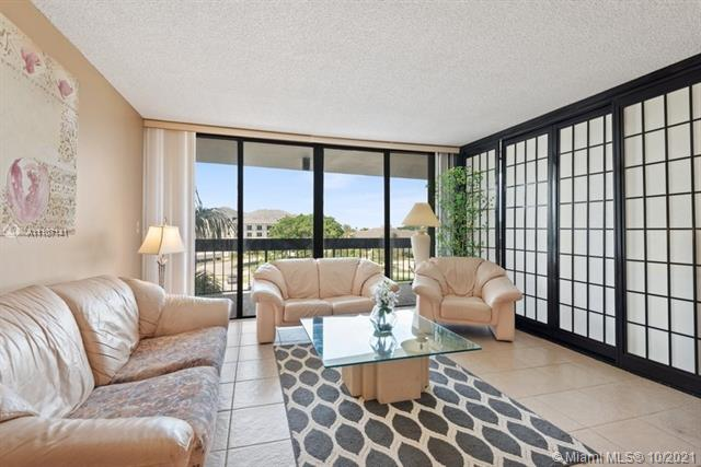 2400  Presidential Way #403 For Sale A11107141, FL