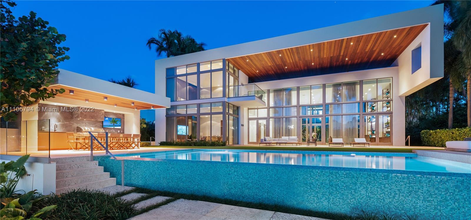 6396 Bay Rd, Miami Beach, Florida 33141