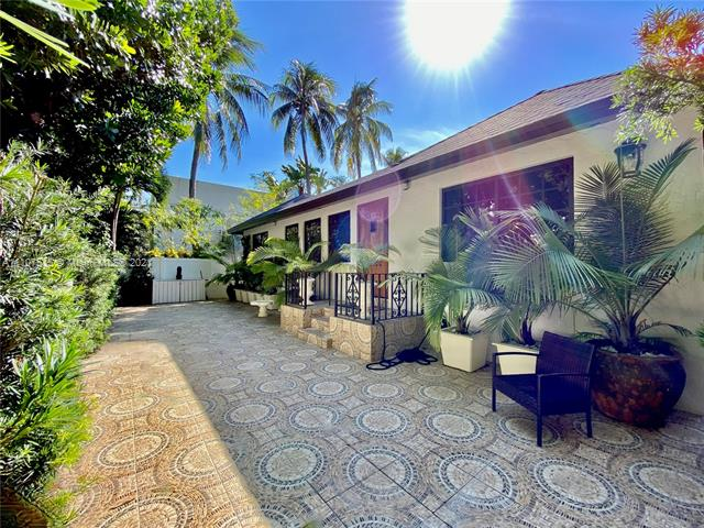 242  Meridian Ave  For Sale A11107535, FL