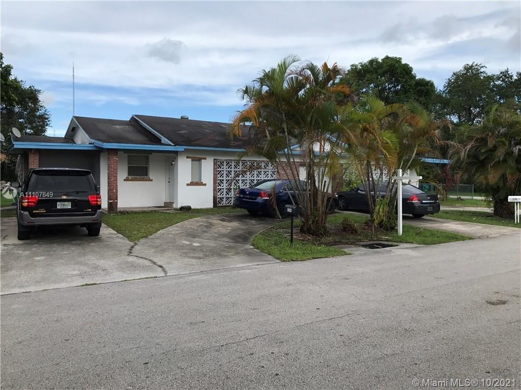 3255 SW 61st Ave  For Sale A11107849, FL