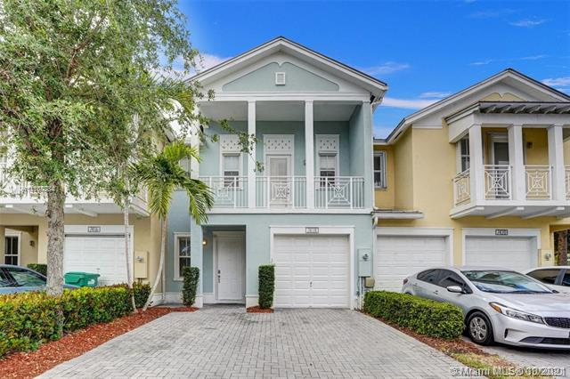 SPECTACULAR TOWNHOUSE IN RESERVE EAST. KITCHEN HAS STAINLESS STEEL APPLIANCES, GRANITE COUNTERTOPS, RECENTLY UPDATED WOODEN FLOORS ON FIRST LEVEL AND CARPET ON SECOND. TOP OF THE LINE FINISHES. GATED COMMUNITY, GREAT AMENITIES. FOR SHOWING WILL BEGIN FROM MONDAY 18 OCTOBER