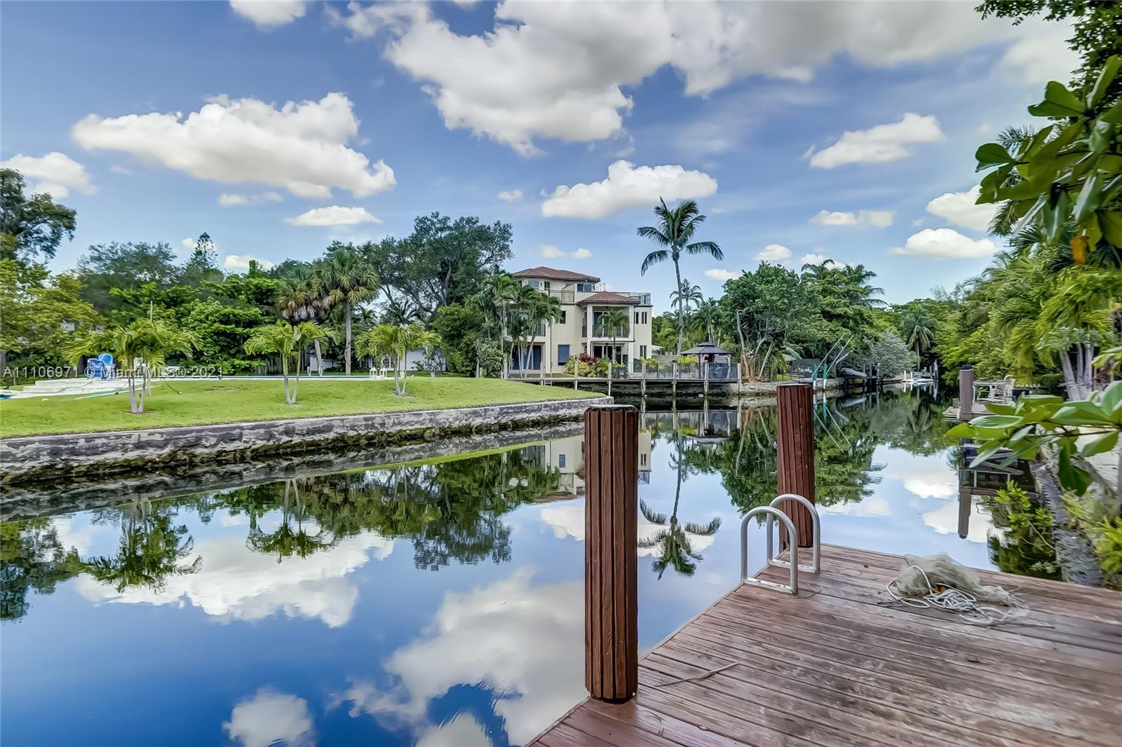 616 SW 11th Ct  For Sale A11106971, FL