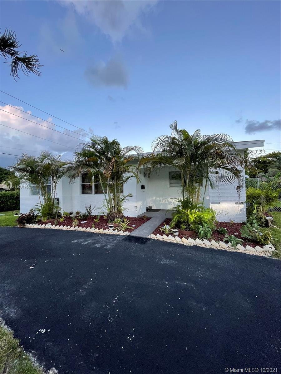 301 SW 9th Ter  For Sale A11108173, FL