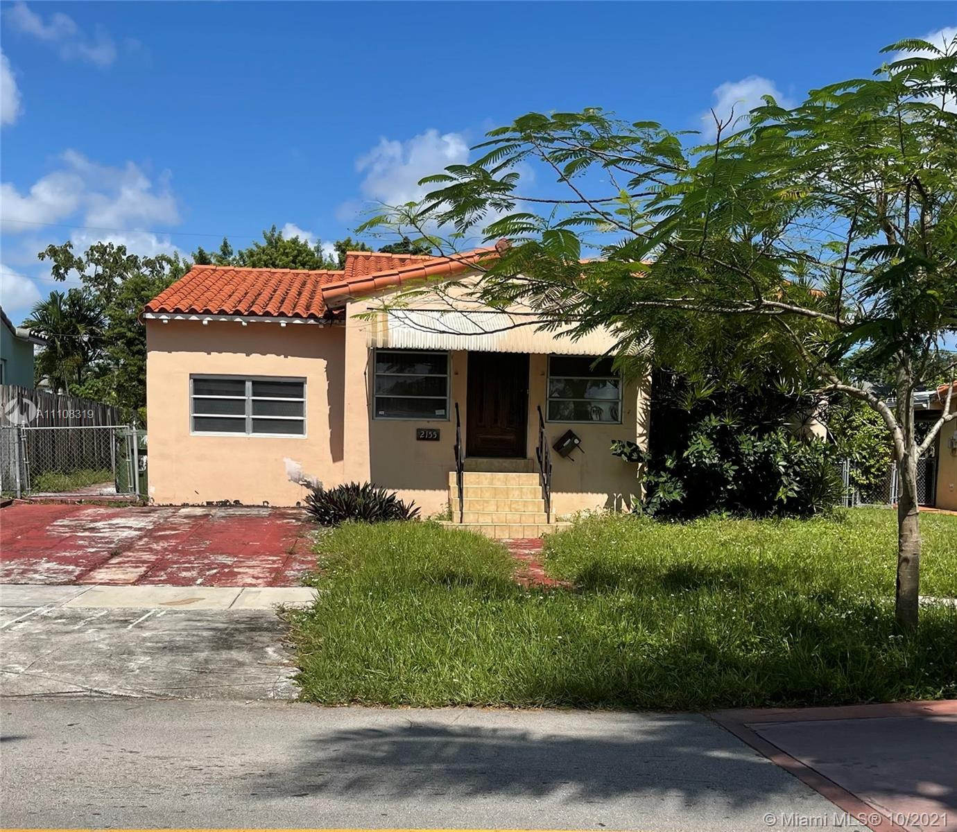 Great location, Rehab opportunity. Huge efficiency.