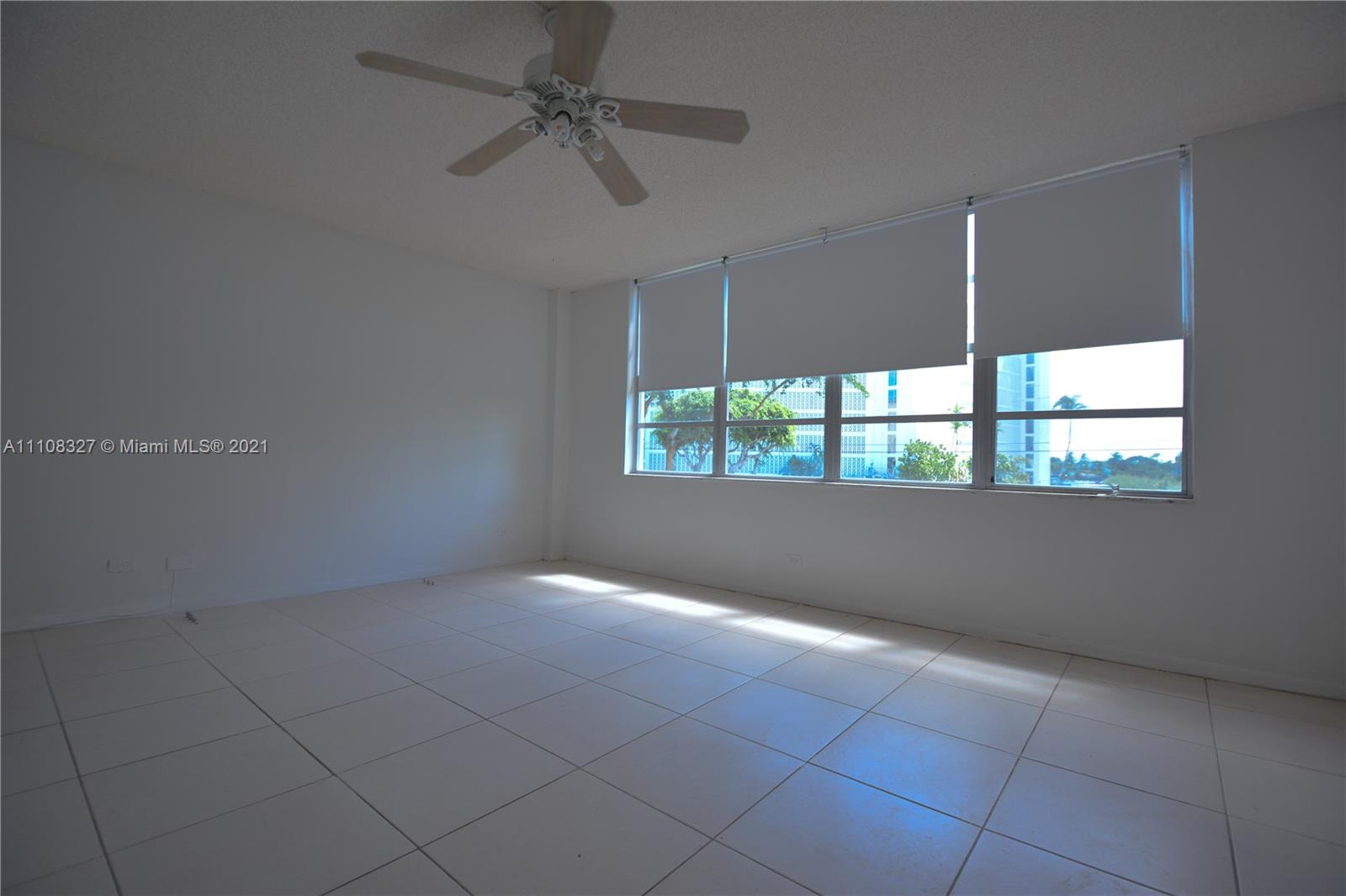 1001  91 #212 For Sale A11108327, FL